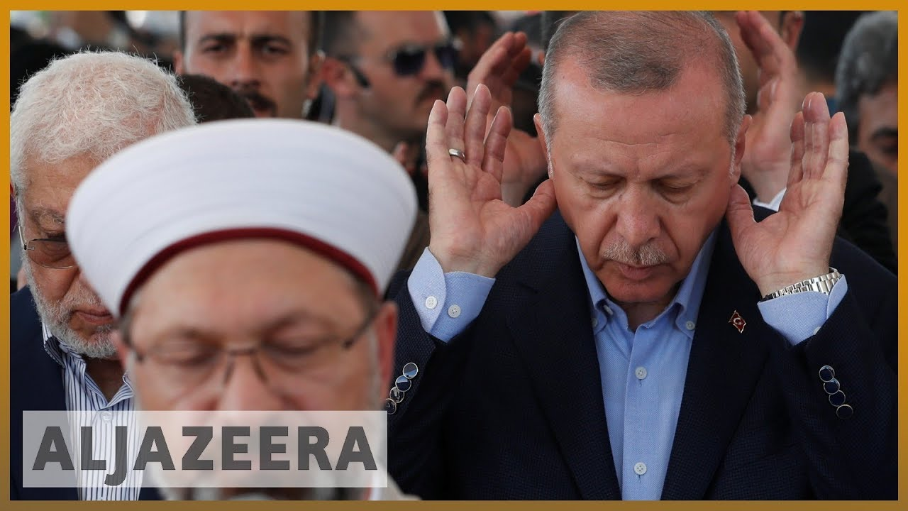 Turkey: Erdogan slams Egypt's 'tyrants' as thousands mourn Morsi