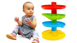 Дада игрушки - Видео для малышей. Развивающие игрушки - Горка с шариками.