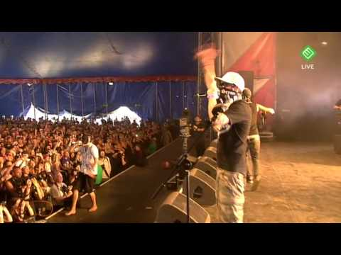 Hollywood Undead - Bottle and A Gun Live at Pinkpop 2009