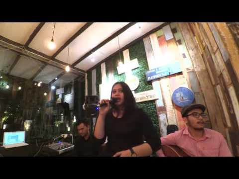 Ten to five - Aku Ada Rahasia (covered by The Fame)