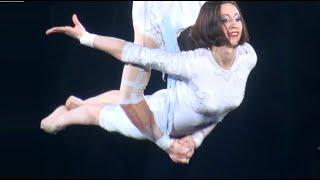 Circus. Aerialists. Цирк. Воздушные гимнасты.