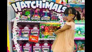 PLAY   Tiền lì xì thì để làm gì? #Muasách #Hatchimals #barbies #HubbaBubble #Kemsinhđôi
