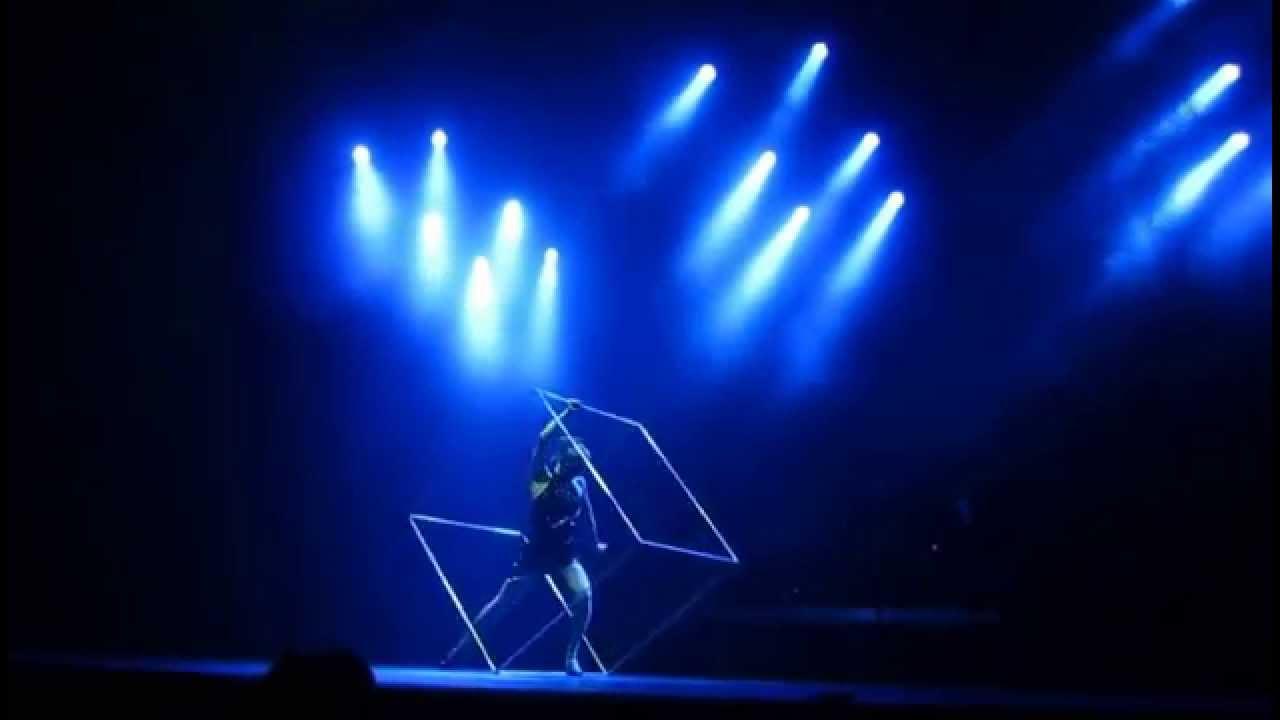 Alyssa Morar_ Spinning Cube_ Silhouette Theater