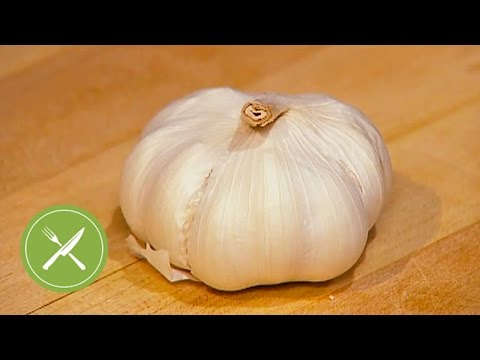 How to Peel and Chop Garlic | Kitchen Daily