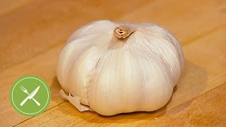 How to Peel and Chop Garlic   Kitchen Daily