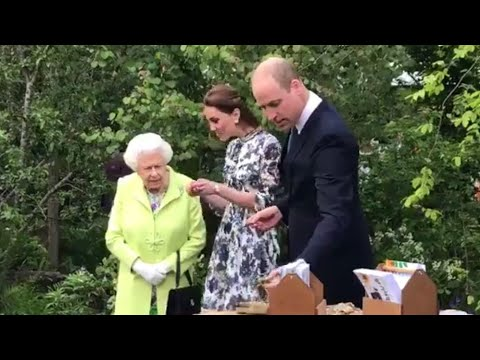 Queen Elizabeth Joins Prince William & Duchess Kate At Chelsea Flower Show 2019!