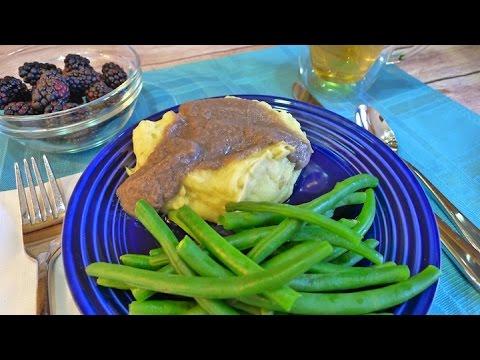 Mashed Potatoes, Gravy & Green Beans