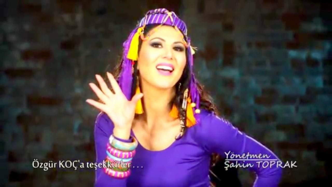 Download Ayşe Dinçer  -   Penguen Dansı / Ayşe Kız (Official Video)