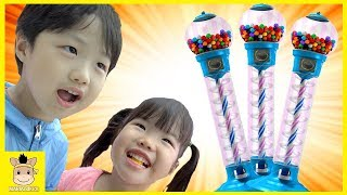 Learn colors for kids Bubble Gumball Claw Machine Game Family fun play | MariAndKids Toys