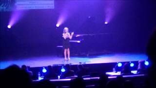"Julia sings ""Hallelujah"" by Leonard Cohen at the Southern Starr Talent competition"