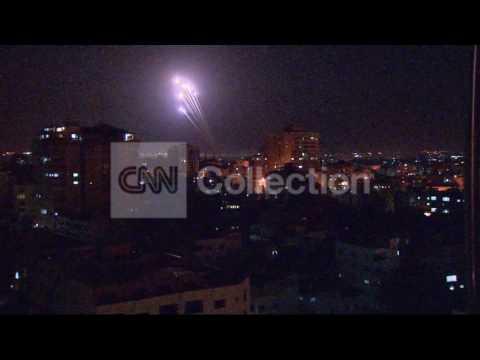 GAZA ROCKET LAUNCH (NIGHT VIDEO)