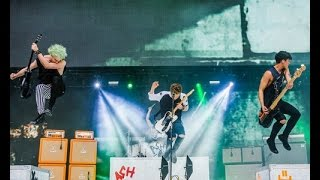 5 Seconds Of Summer // Synchronised Jumps