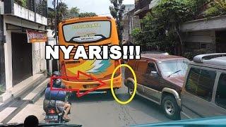 nyaris naik bus lewat jalan sempit di bandung   efisiensi royal class