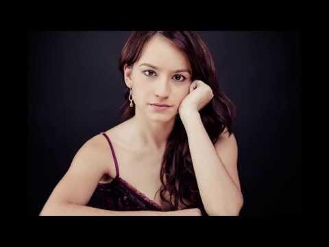 O Holy Night (Minuit Chrétiens) - Alicia Amo