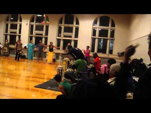 Sabar Dance Class c Aziz Oakland