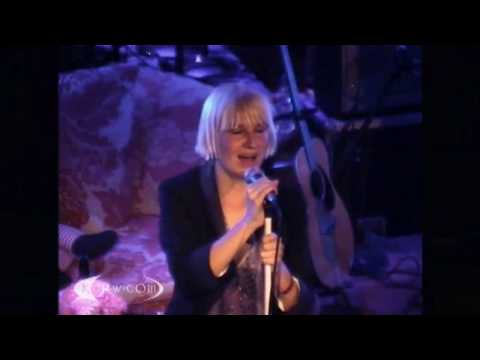 Sia - The Girl You Lost To Cocaine (Live at KCRW 2008)