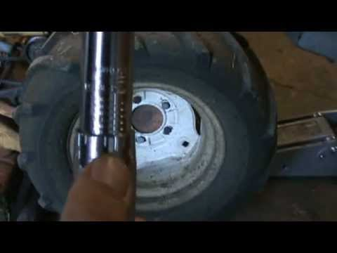 Using a Click type torque wrench
