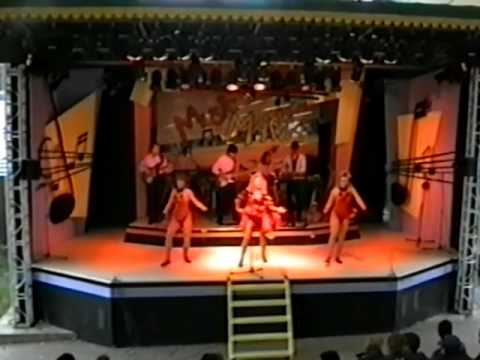 Alton Towers Live Show from 1993 Full Recording of 'Music Mania' by Kerry Wilson