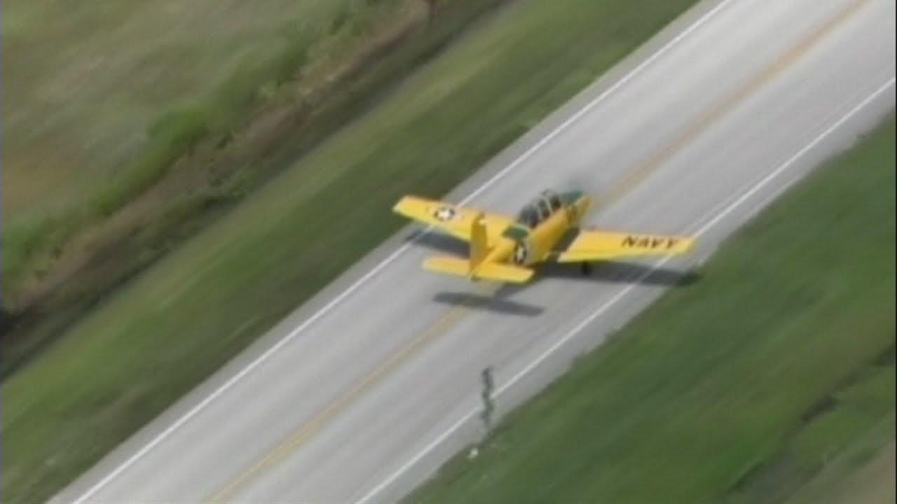 Emergency landing: Plane lands on Florida highway