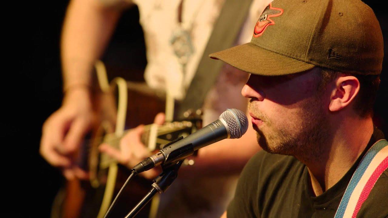 brothers-osborne-rum-acoustic-at-the-hgtv-lodge-brothers-osborne