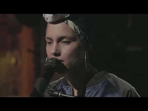 Alicia Keys - Holy War (Live at the Apollo Theater 2016)
