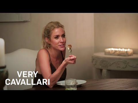 Kristin Cavallari & Jay Cutler Host a Dinner Party | Very Cavallari | E!