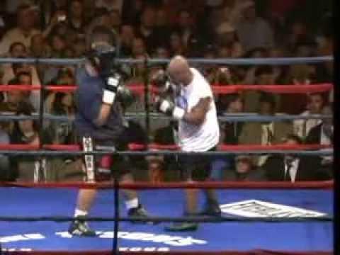 2006 10 20 Mike Tyson vs Corey Sanders (Last Match)
