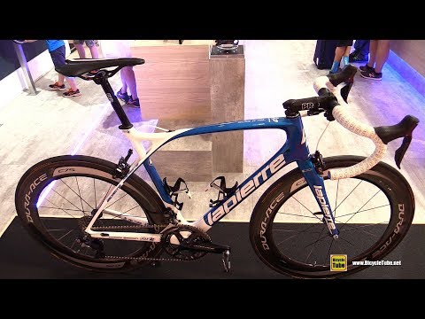 c17aac7cef5 2018 Lapierre Xelius SL Team FDJ Racing Road Bike - Walkaround - 2017  Eurobike - Смотреть видео онлайн