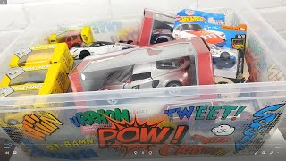 Unpacking cars from a small box Welly Hot Wheels Kinsmart