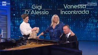 Gigi D'Alessio e Vanessa Incontrada cantano al pianoforte - Domenica In 24/11/2019
