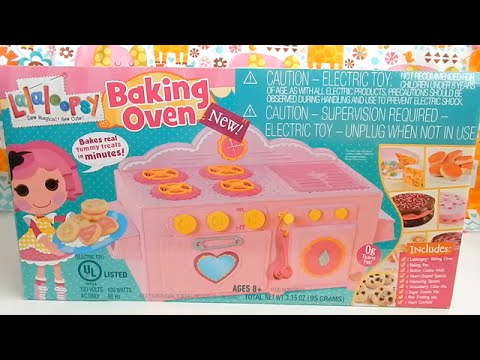 Lalaloopsy Baking Oven Strawberry Cake and Button Sugar Cookies Toy Review