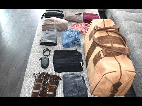 What I'm Packing to Travel Light - Melissa Alexandria