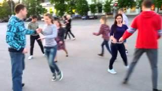 Харьков.бельгийский танец в центре))мини флэшмоб)