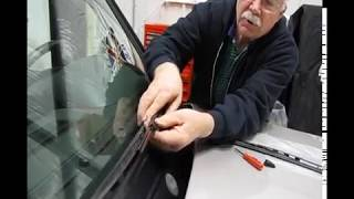 Wiper Blade Replacement: Discovery 2 Wiper Instructions