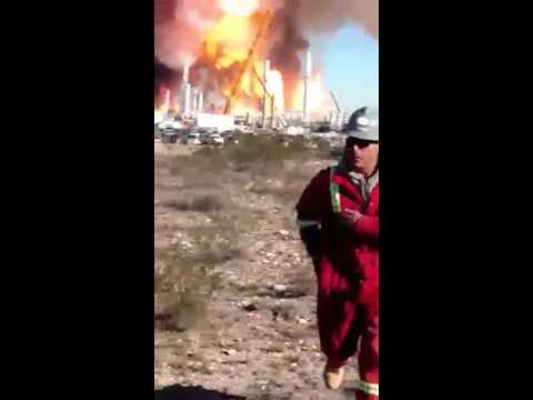 Terrifying Moment Workers Flee as Gas Plant Explodes