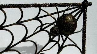 Красивая решетка с пауком для камина ковка художественная(посмотреть http://kovka-dveri.com . Красивая решетка с пауком для камина ковка художественная. Изготовление кованых..., 2016-10-11T11:52:22.000Z)