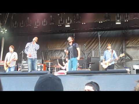 """Ben Harper & Relentless 7 """"Under Pressure"""" w/ Eddie Vedder 17/11/09 Adelaide Oval"""