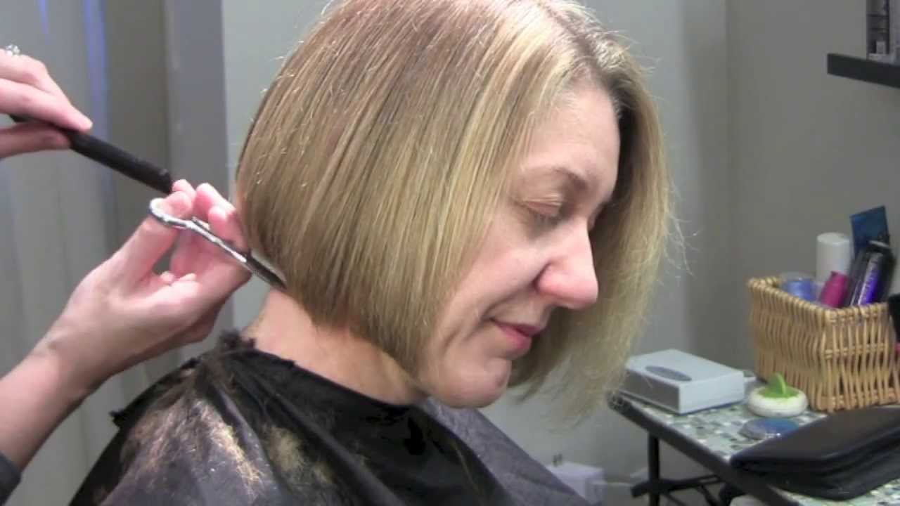 How To Do A Bob Haircut Chin Length Youtube