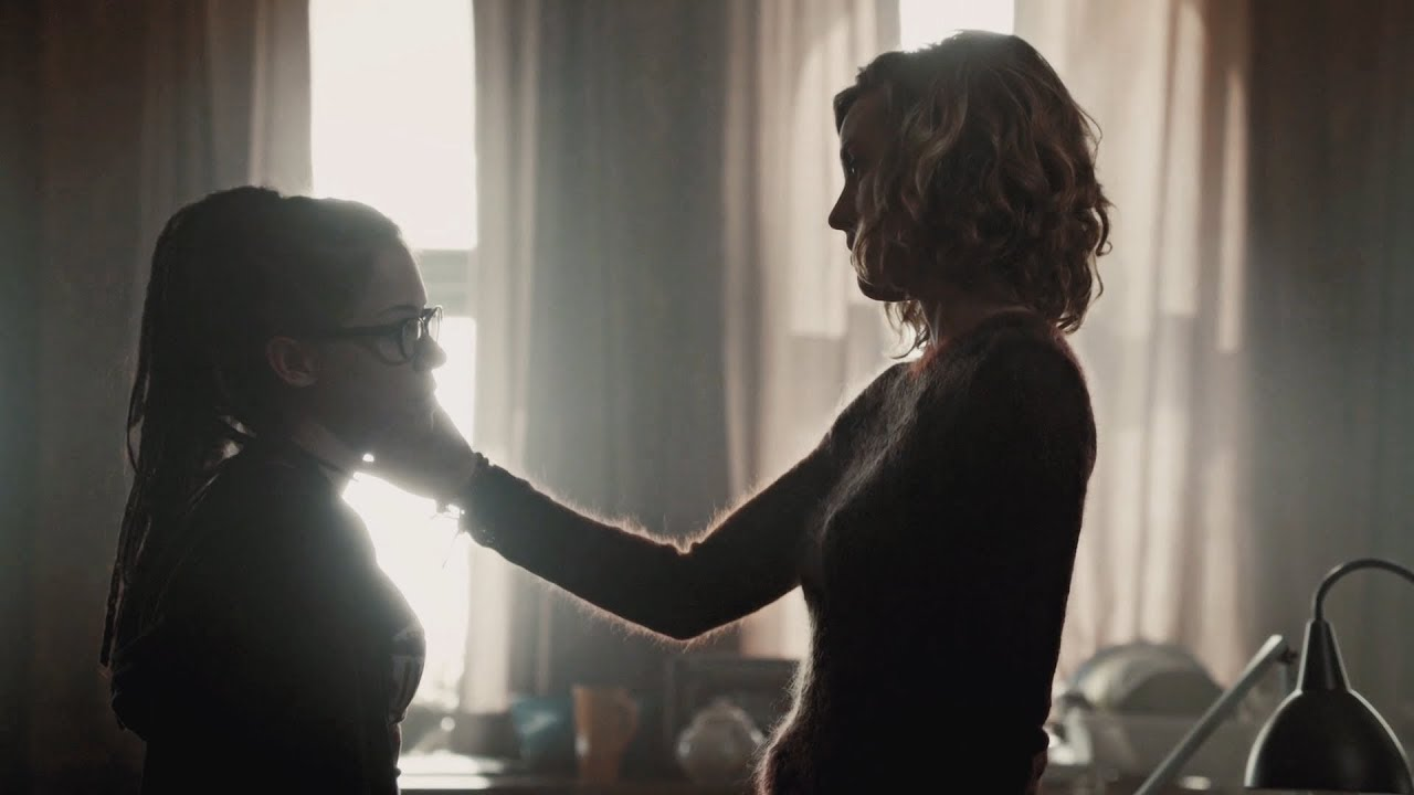 """Download Cophine """"I can't stop thinking about that kiss"""" scene without the background music"""