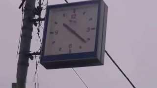 видео уличные часы