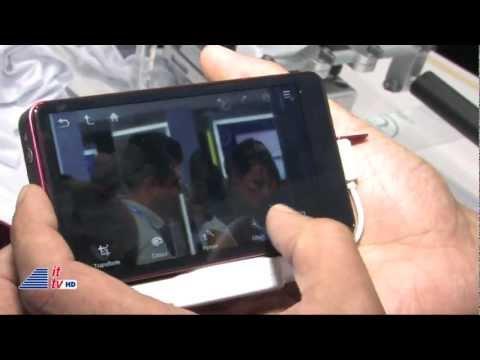Samsung Galaxy Camera At IFA 2012 (A Camera That Runs Android)