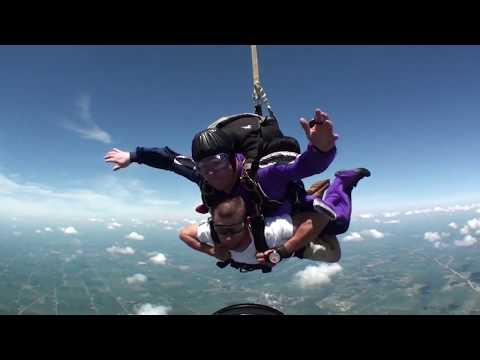 Mike Roberts Tandem Skydive @Mid-America Sport Parachute Club