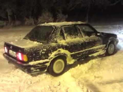 Bmw e30 325ix plow car - YouTube