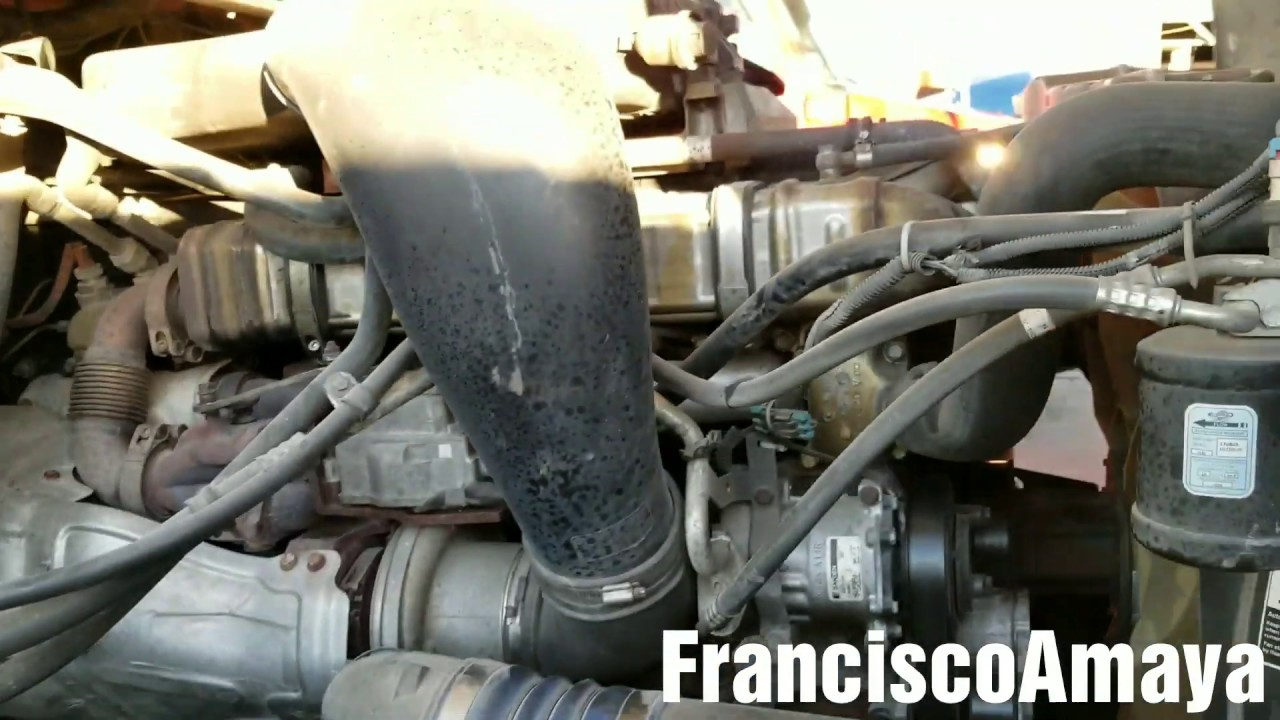 DD15 ENGINE COOLANT WATER IN OIL / AGUA EN EL ACEITE BROKEN CYLINDER LINER  CILINDRO CREBRADO MALO