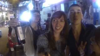 """Первый вечер на улицах Ханой с табличкой """"Free Sex"""""""