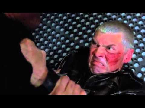 Отрывок из фильма В осаде 2    Красивый бой Стивена Сигала  Сломал шею ►filmCut