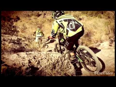 Carrera de descenso bicicleta - Vídeo Promocional -