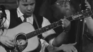 Смотреть клип Billy Strings & Don Julin - Dealing Despair