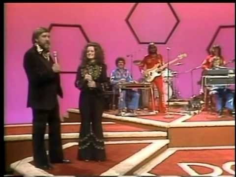 Pop Goes The Country Mickey Gilley