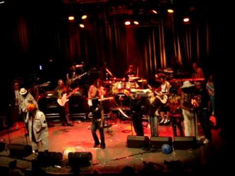 """George Clinton & P- Funk feat Sativa Diva, live at Watt Rotterdam 30/07/09 - """"Hard as Steel"""""""